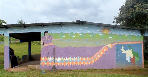 10.La-comarca-ngäbe-en-un-mural.jpg