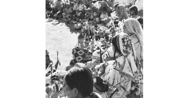 8---Premier-cercle,-cérémonie-Tatei-neixa,-Barranquilla,-1995.jpg