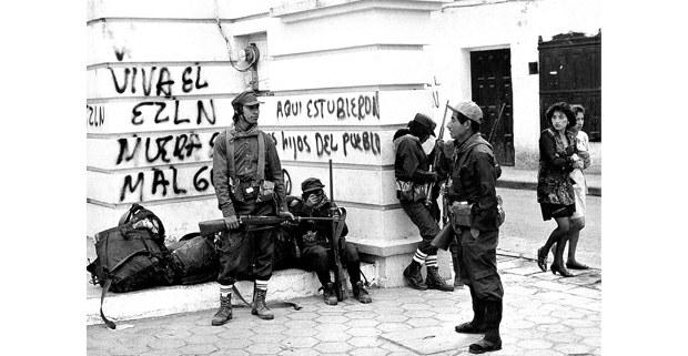 Los hijos del pueblo. San Cristóbal de Las Casas, Chiapas, 1 de enero de 1994. Foto: José Ángel Rodríguez