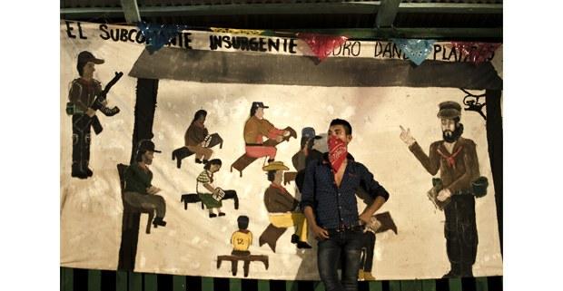 """""""El subcomandante Pedro cumplió"""". Celebración zapatista. Selva Lacandona, 2019.  Foto: Mariana Elizabeth Gutiérrez"""