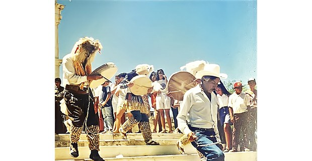 """""""Judios"""" en la celebración mayo de Semana Santa. Foto: Luis Espinoza Sauceda"""