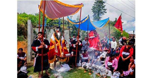 Santo de la comunidad de Chenalhó visita Magdalenas antes del conflicto en los Altos de Chiapas. Foto: Luis Enrique Aguilar