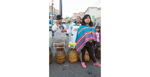 Bloqueo de mujeres exigiendo gas. La Paz, Bolivia. Foto: Gerardo Magallón