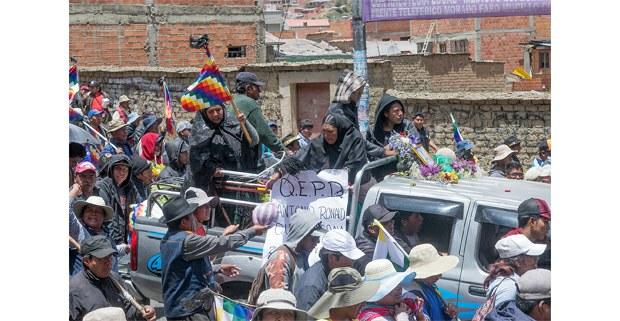 Marcha con los muertos de Senkata. Foto: Gerardo Magallón