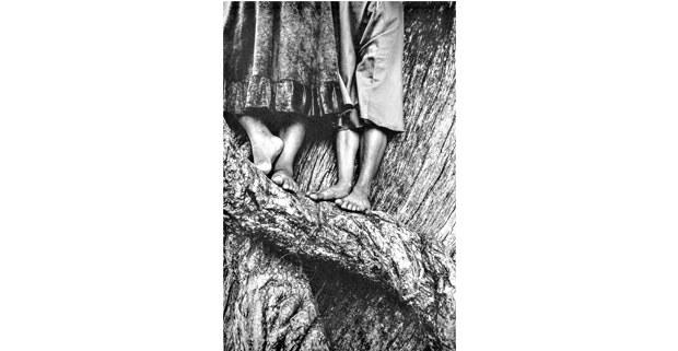 """""""La ascensión"""", 1984: Graciela Iturbide. Cuando habla la luz, Fomento Cultural Banamex, 2018"""