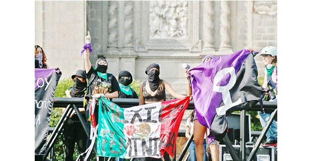 México feminicida, marcha #8M, Ciudad de México, 2020. Foto: Mario Olarte