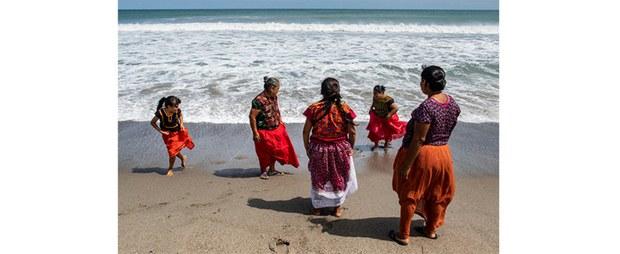 Mujeres ikootj en San Mateo del Mar, Oaxaca, 2019. Foto: Maya Goded