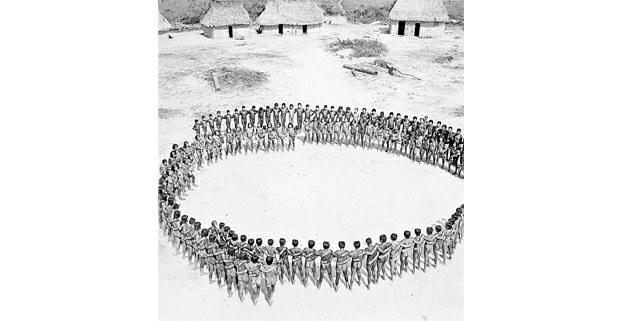 Reunión kayapó en Para, Brasil, 1957. Foto: José Madeiros