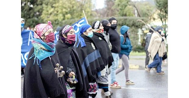 Marcha por la libertad de los presos políticos mapuche en huelga de hambre, Angol, Chile, julio de 2020. Foto: Julio Parra