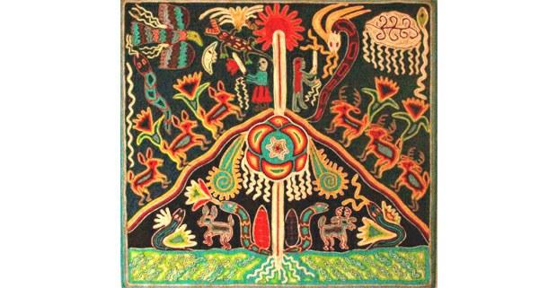 Arte tradicional wixárika en estambre sobre cera de Campeche y triplay. Autor no identificado. Foto: Ojarasca