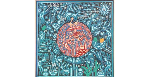 De donde viene la gente, pieza de Hilaria Chávez Carrillo presentada en la exposición de arte wixárika en la CDMX curada por Johannes Neurath, 2020