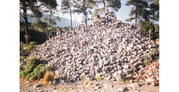 Cementerio clandestino en la zona del Ajusco. Foto: Jerónimo Palomares