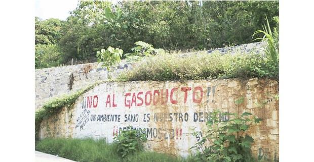 Pinta contra el gasoducto Tuxpan-Tula en San pablito Pahuatlán. Foto: Daniela Garrido