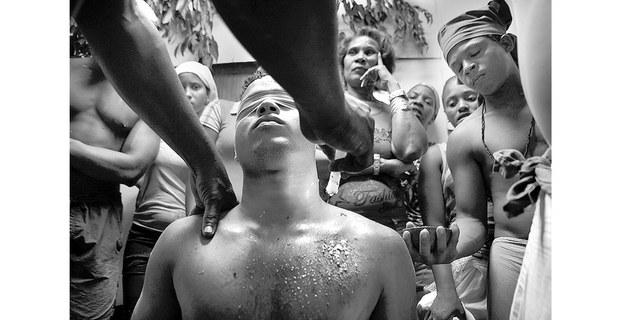 Serie sobre rituales religiosos tradicionales en Cuba. Foto: Raúl Ortega